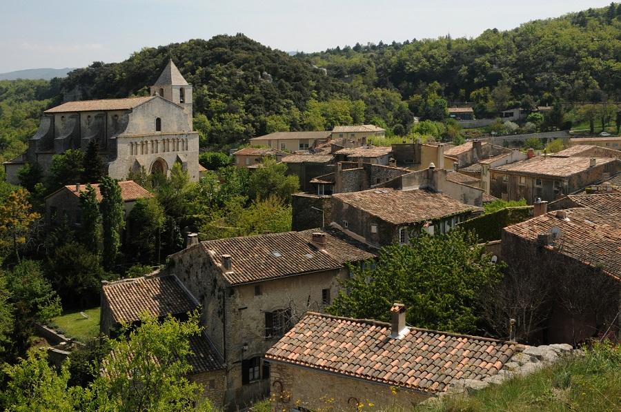 Saignon, vieille cité de pierre