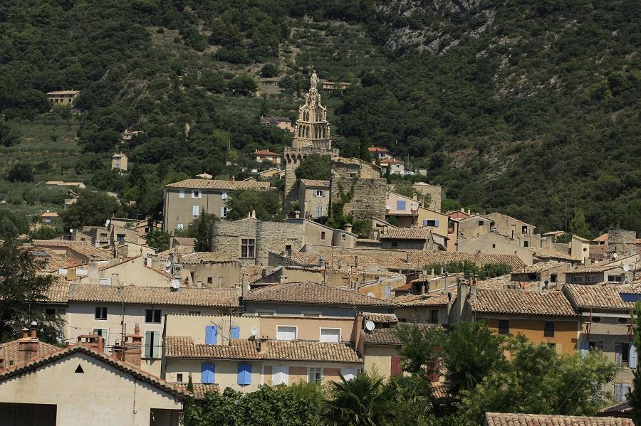 La ville de Nyons dans la Drôme