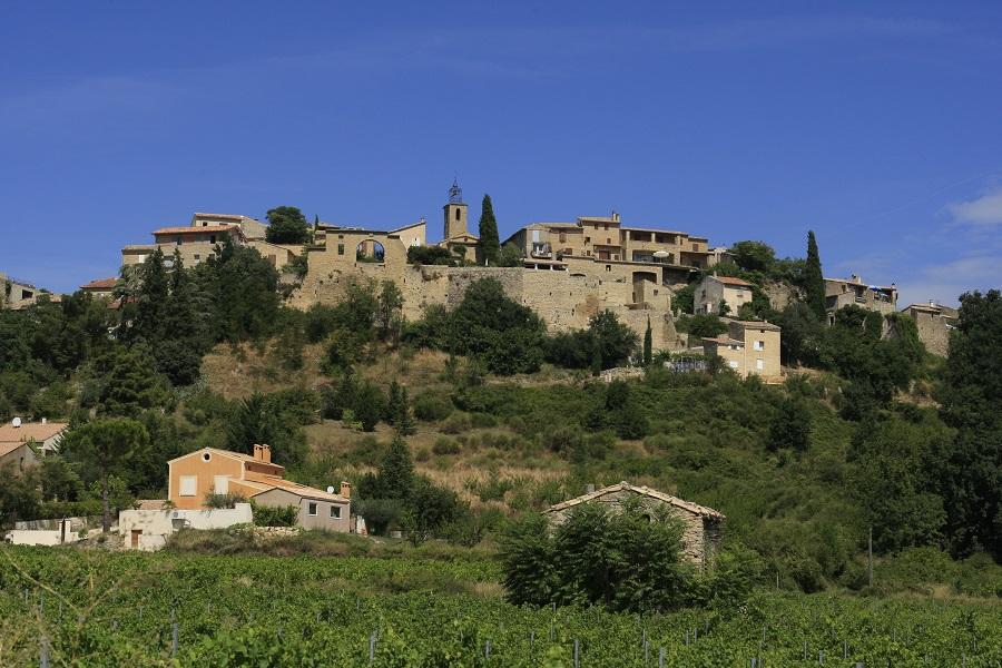 Faucon, village sur la route de l'olivier