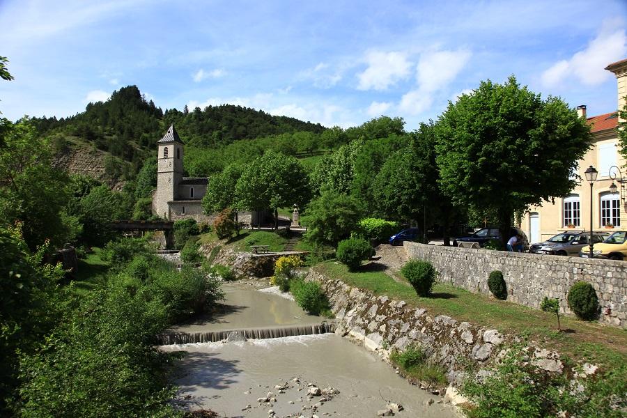 Saint-Nazaire-le-Désert dans la Drôme
