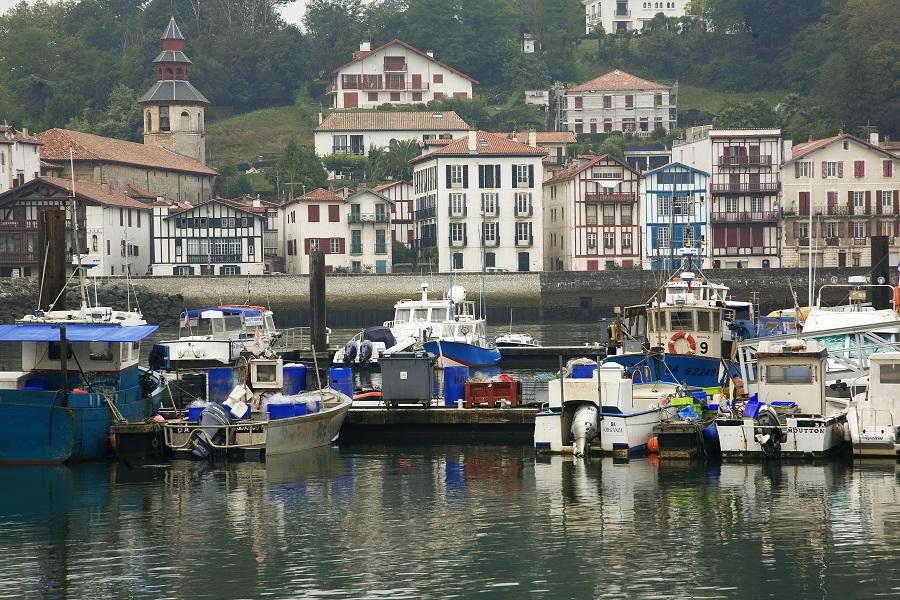 Le port de Saint-Jean-de-Luz partagé avec Ciboure