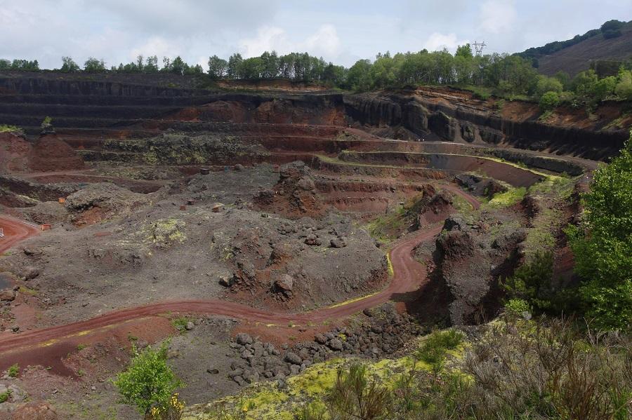 Le cratère du puy de Lemptegy