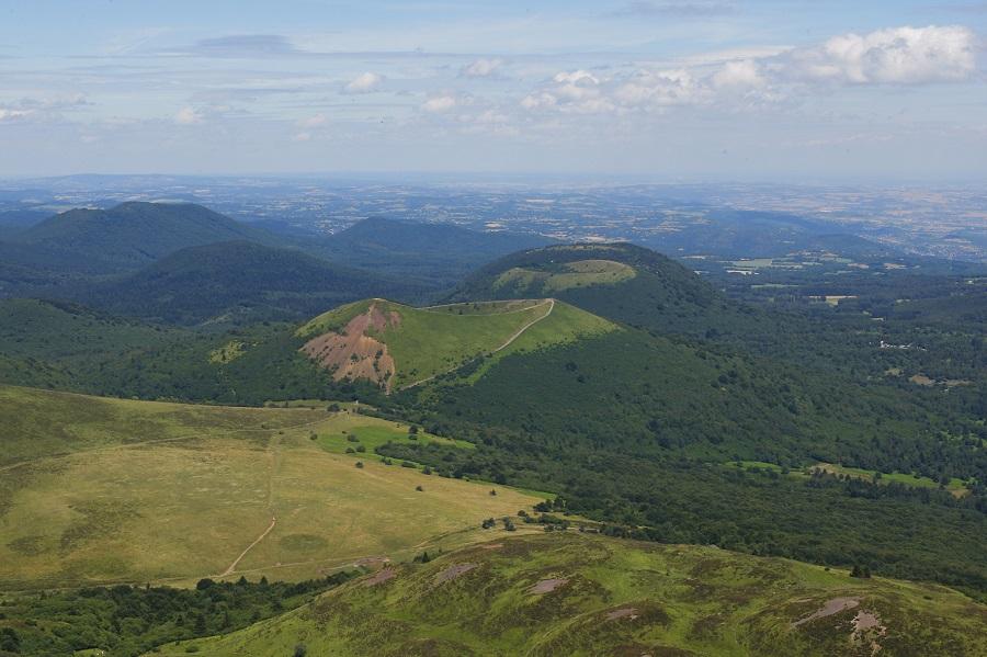 La célèbre chaîne des Puys d'Auvergne