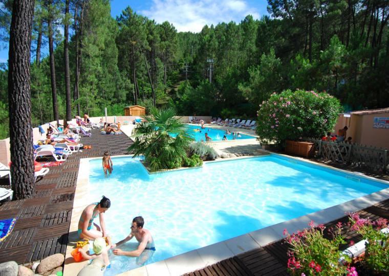Nos campings avec piscine en ard che camping ardeche for Camping avec piscine en ardeche