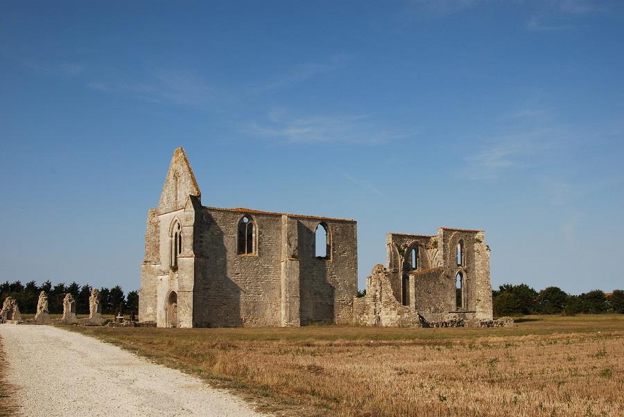 Les ruines des Châteliers à Notre-Dame-de-Ré
