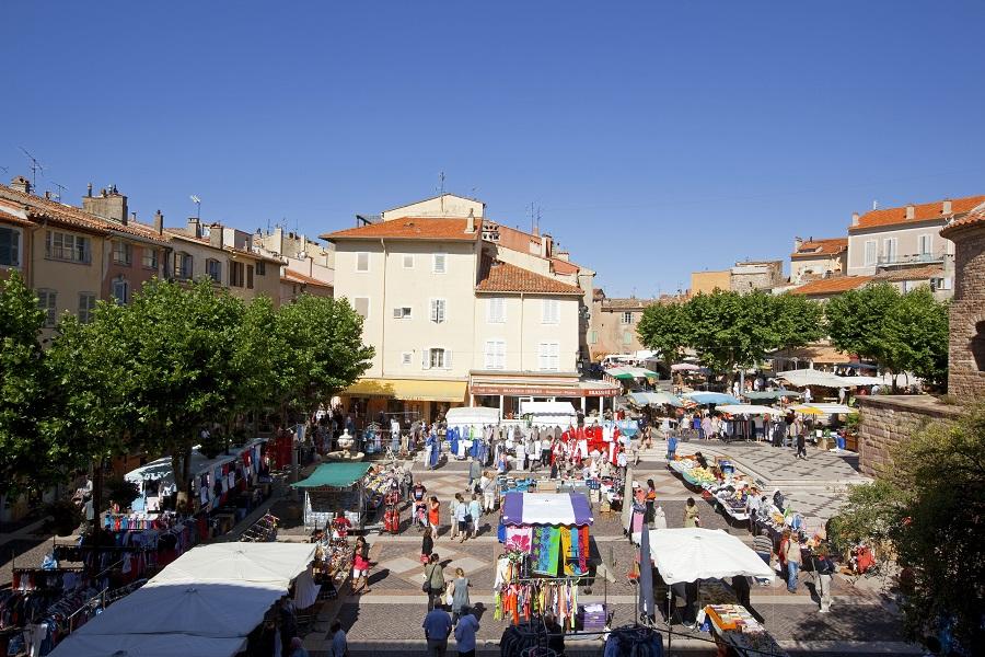Jour de marché à Fréjus