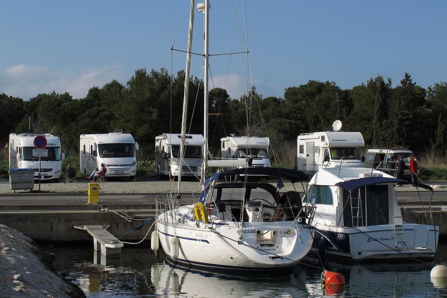 Le port de Saint-Cyprien