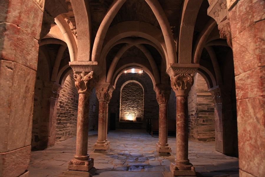 Tribune du prieuré de Serrabone
