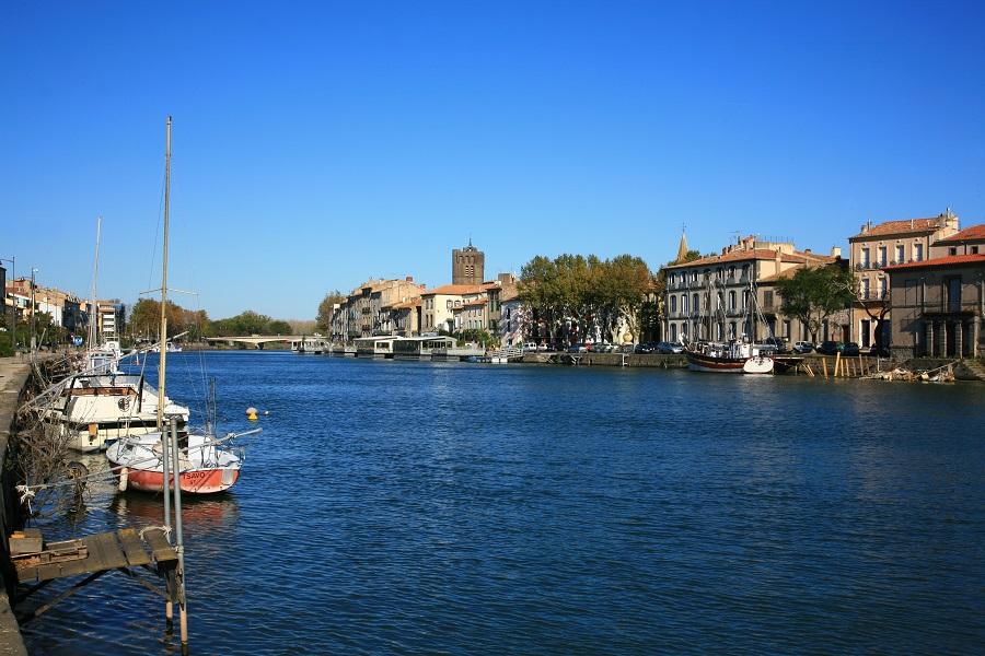 Agde sur le canal du Midi