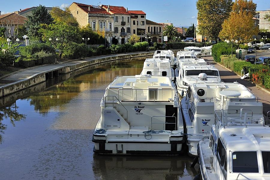 Narbonne traversée par le canal de la Robine