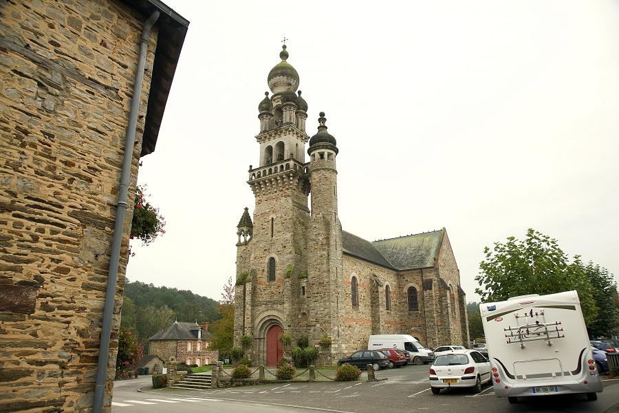 L'église de Saint-Sernoux