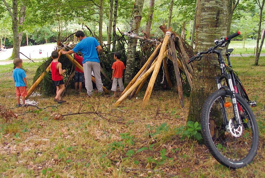 Des activités enfants éducatives et liées à la nature