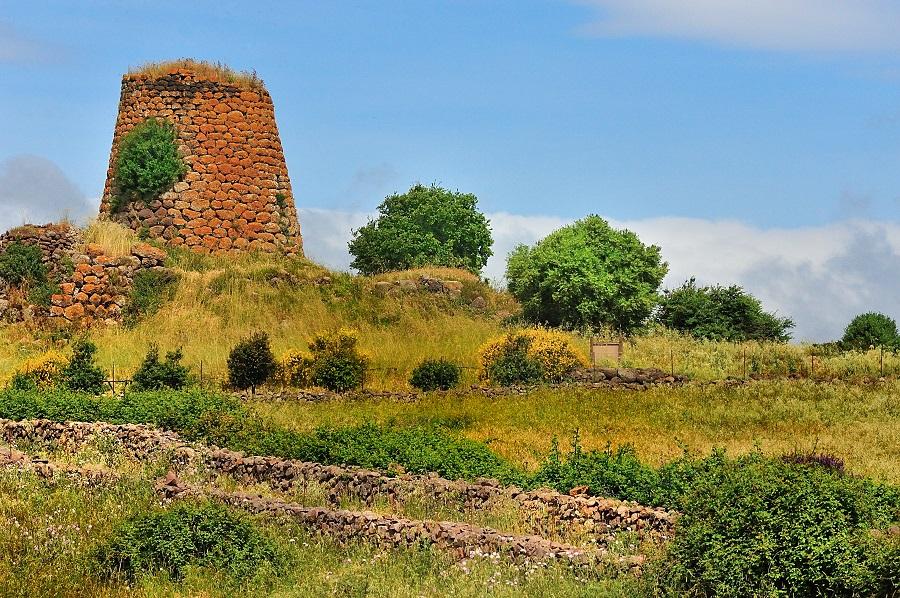 Nuraghe, édifice typique de Sardaigne