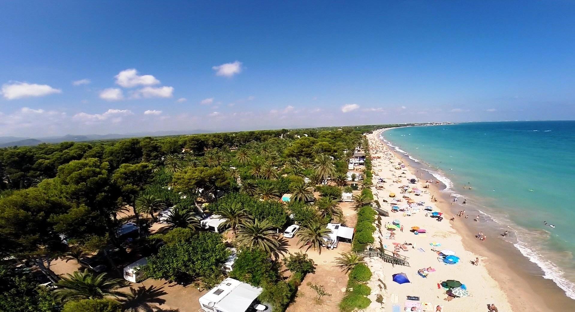 Camping Costa Dorada Bungalows En La Playa