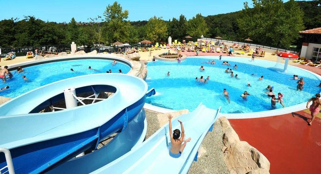 Camping avec parc aquatique toboggans et piscines - Camping vendee pas cher avec piscine ...