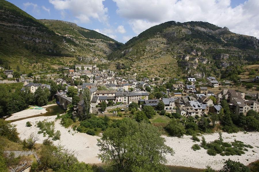 Le village de Sainte-Enimie