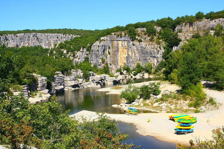 L'Ardèche, paradis des canoéistes