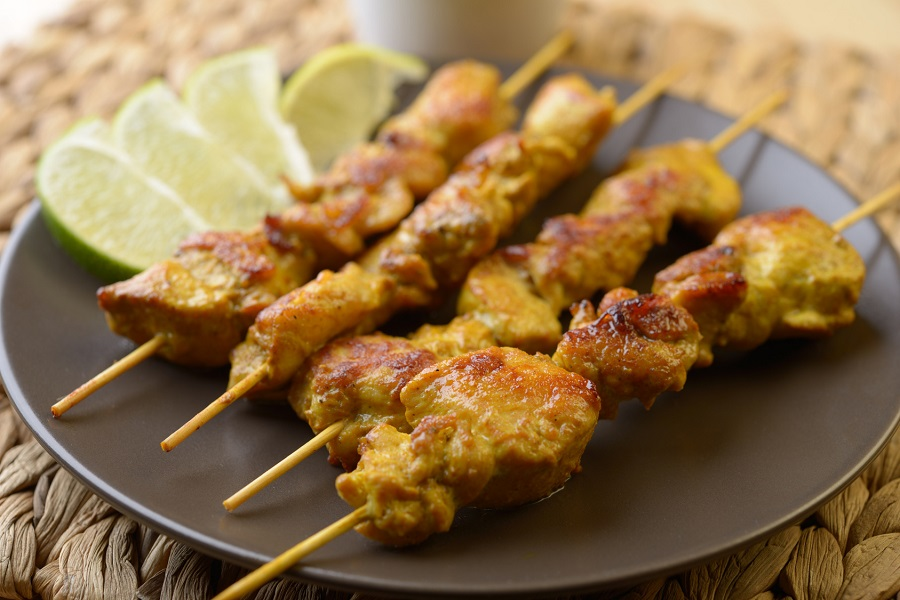 Cuisine au camping : brochettes poulet curcuma