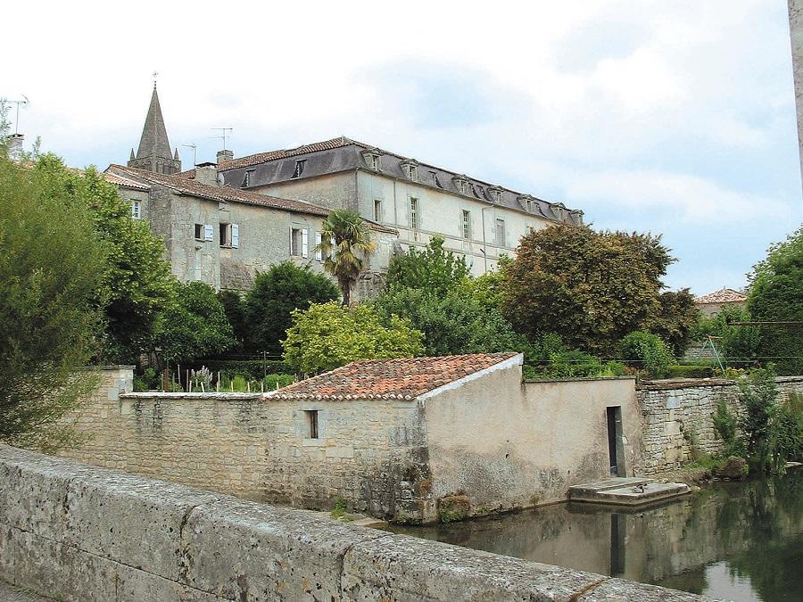 Abbaye de Bassac en Charente