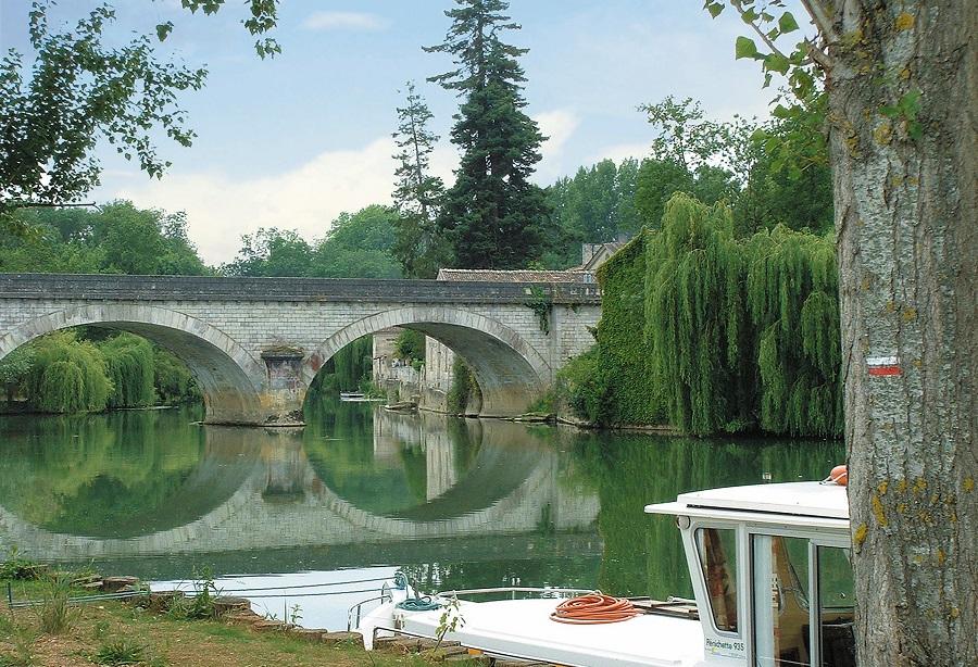 Pont sur la Charente à Bassac
