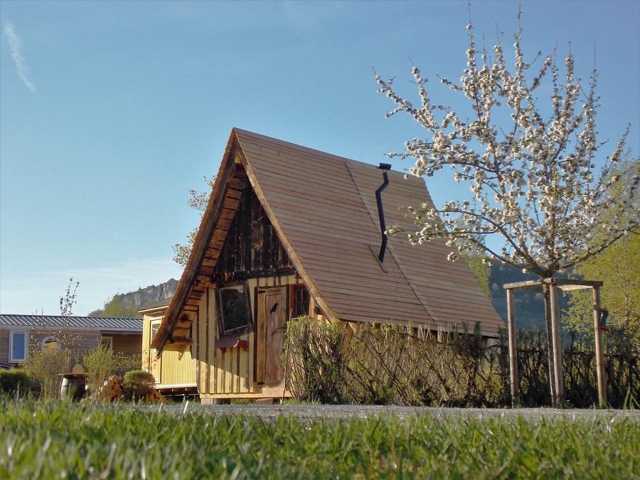 La cabane des fées au camping La Roche d'Ully