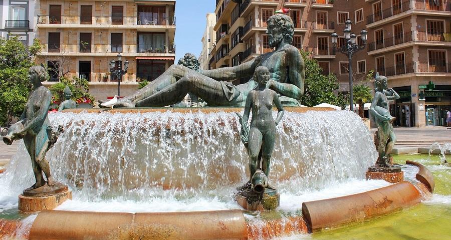 La fontaine du Turia place de la Vierge à Valencia