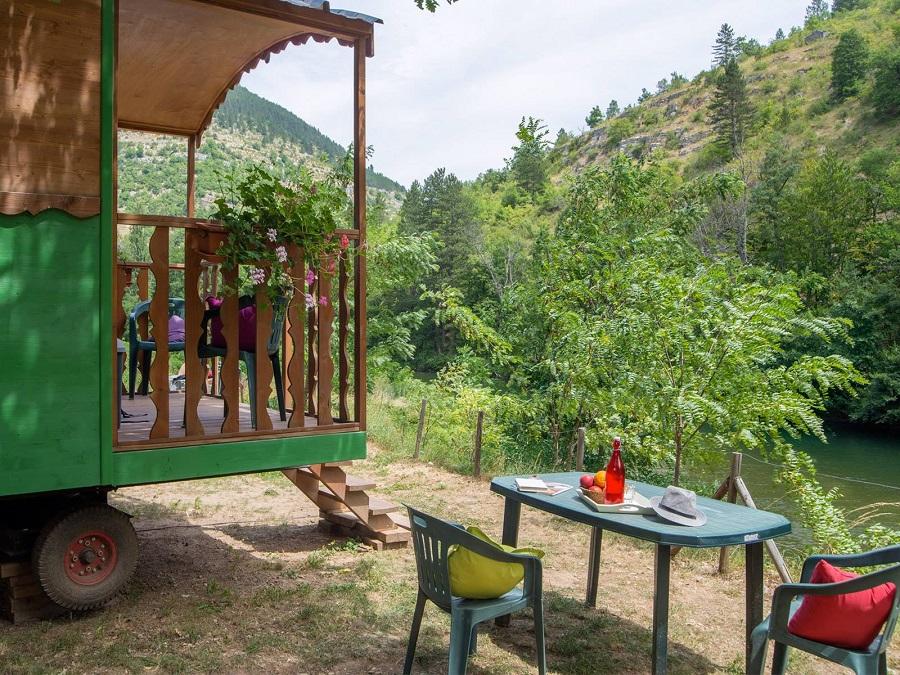 Camping Nature et Rivière dans les Gorges du Tarn (Lozère)