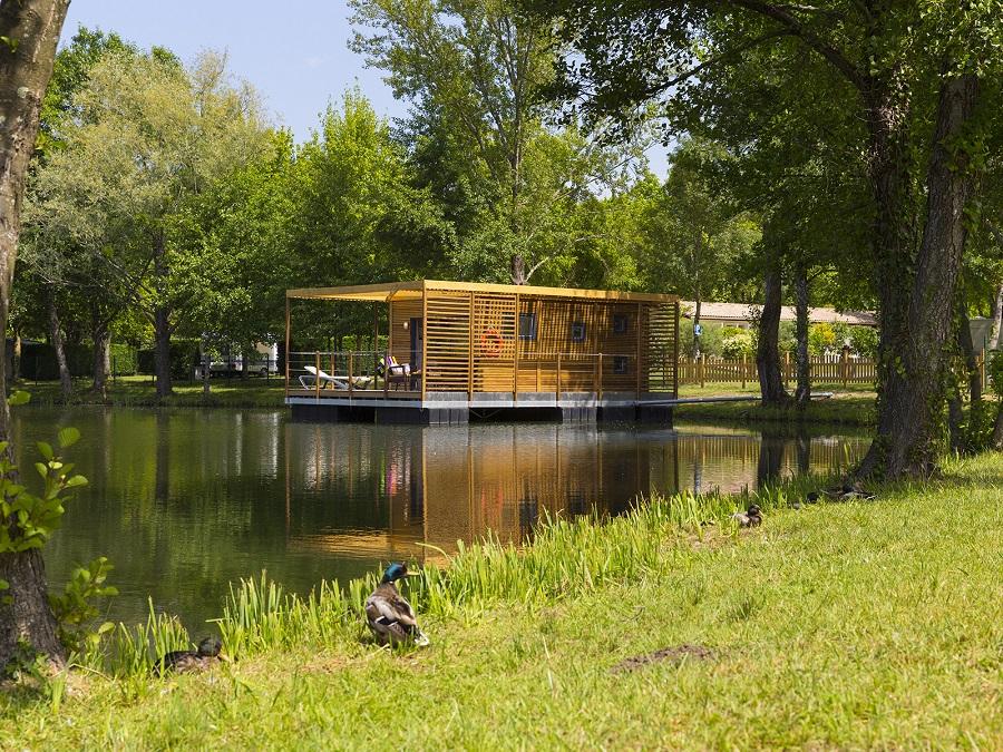 Cottage flottant au camping Saint-Emilion en Gironde