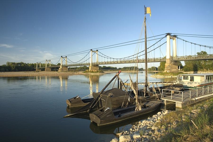 Les toues cabanées traditionnelles sur la Loire
