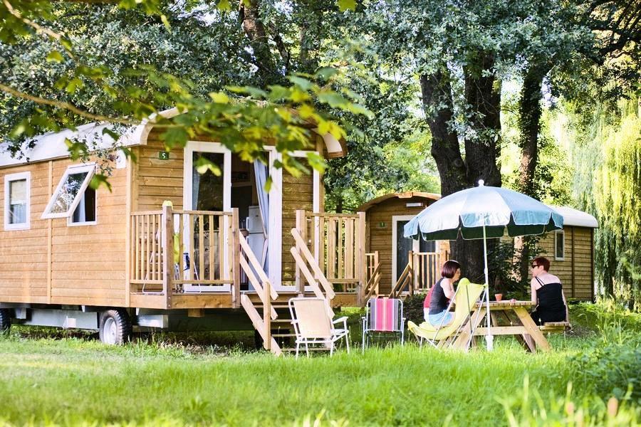Les roulottes du Camping de Paris