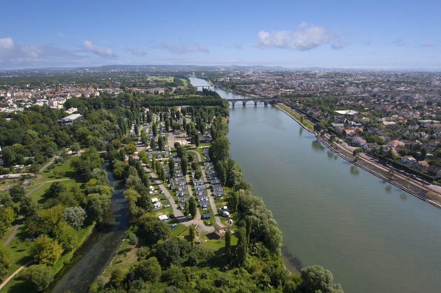 Le camping de Maisons-Laffitte au bord de la Seine