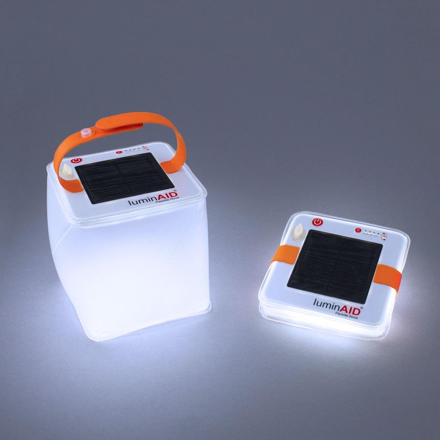 Une lanterne gonflable, solaire et ultralégère