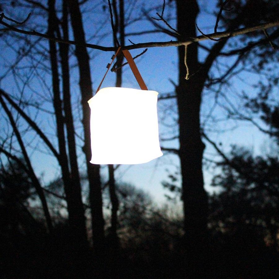 La lanterne PackLite Nova de luminAID