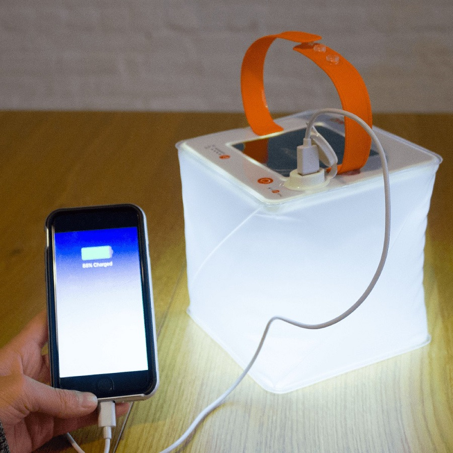 La lanterne PackLite Nova recharge les portables