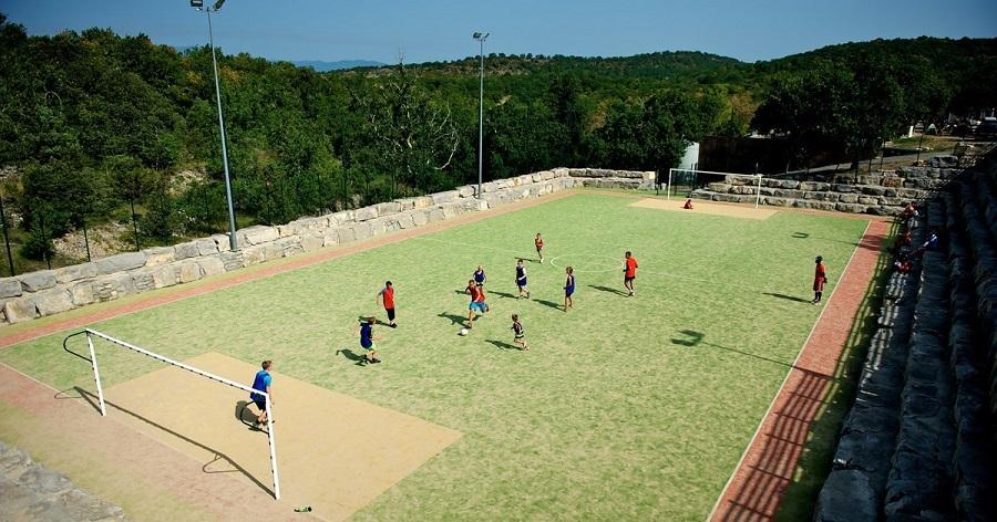 Terrain de foot au camping Sunêlia Aluna Vacances en Ardèche