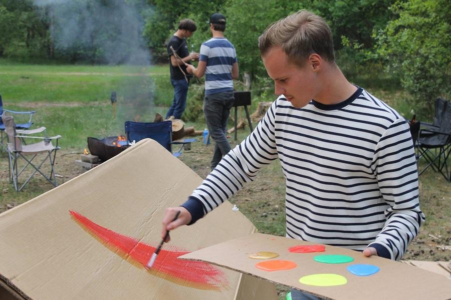 La tente en carton, étanche, écologique et personnalisable