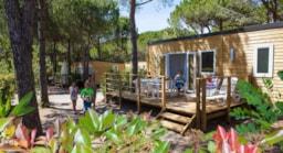 Camping cote d 39 azur bord de mer piscine camping direct for Camping cassis bord de mer avec piscine