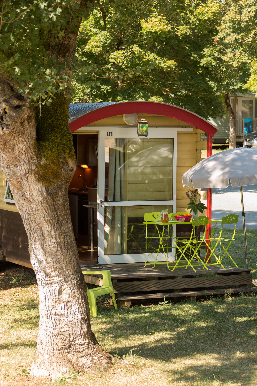 Location - Roulotte 2 Adultes + 1 Enfant - Camping Les Cigales