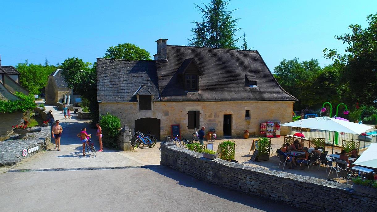 Camping la Paille Basse, Souillac, Lot