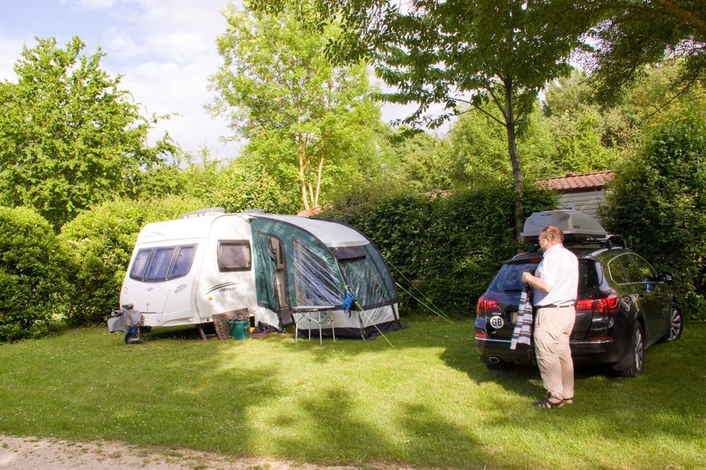 Emplacement - Emplacement Confort - Camping La Vallée des Vignes