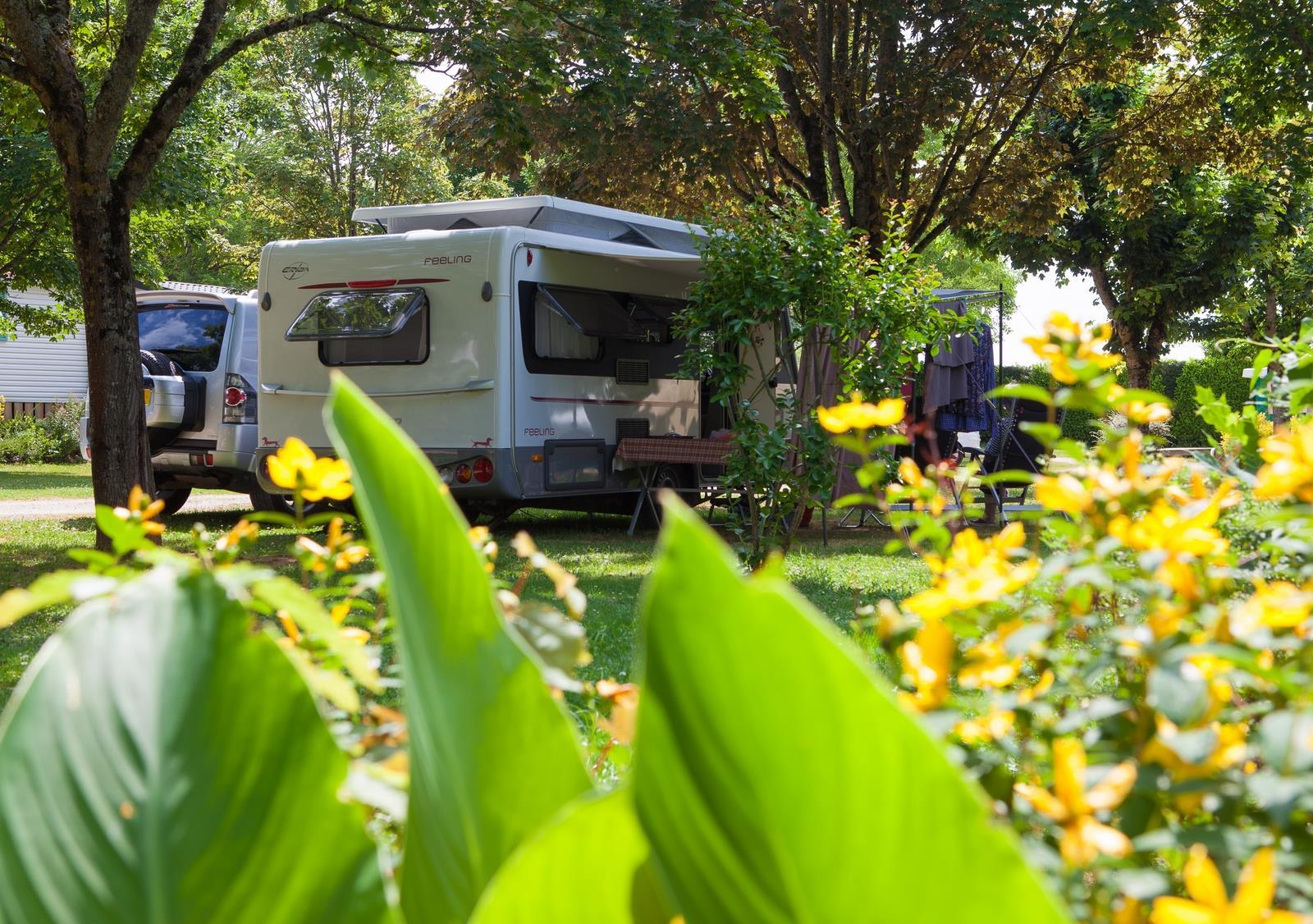 Emplacement - Emplacement Nature 80 À 100 M² - Camping Sites et Paysages Le Ventoulou