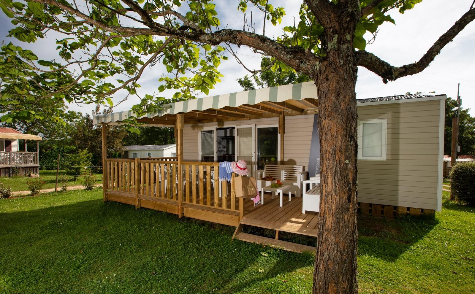 Location - Cottage Alzou - Grande Terrasse Couverte 18 M² - 2 Chambres - Camping Sites et Paysages Le Ventoulou