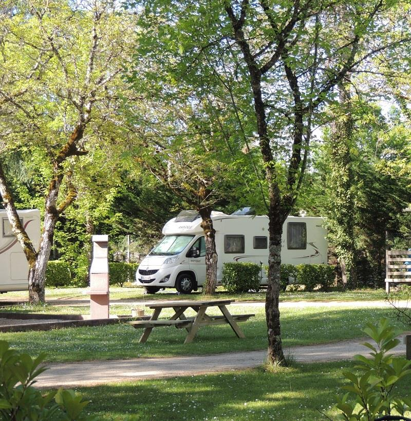 Camping La Cheneraie****