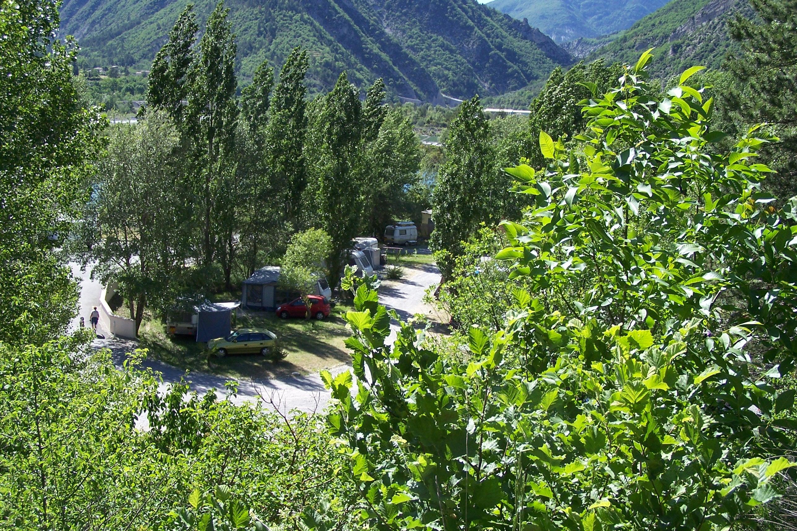 Emplacement - Emplacement + 1 Véhicule + Caravane Ou Camping-Car + 1 Petite Tente - Camping du Brec