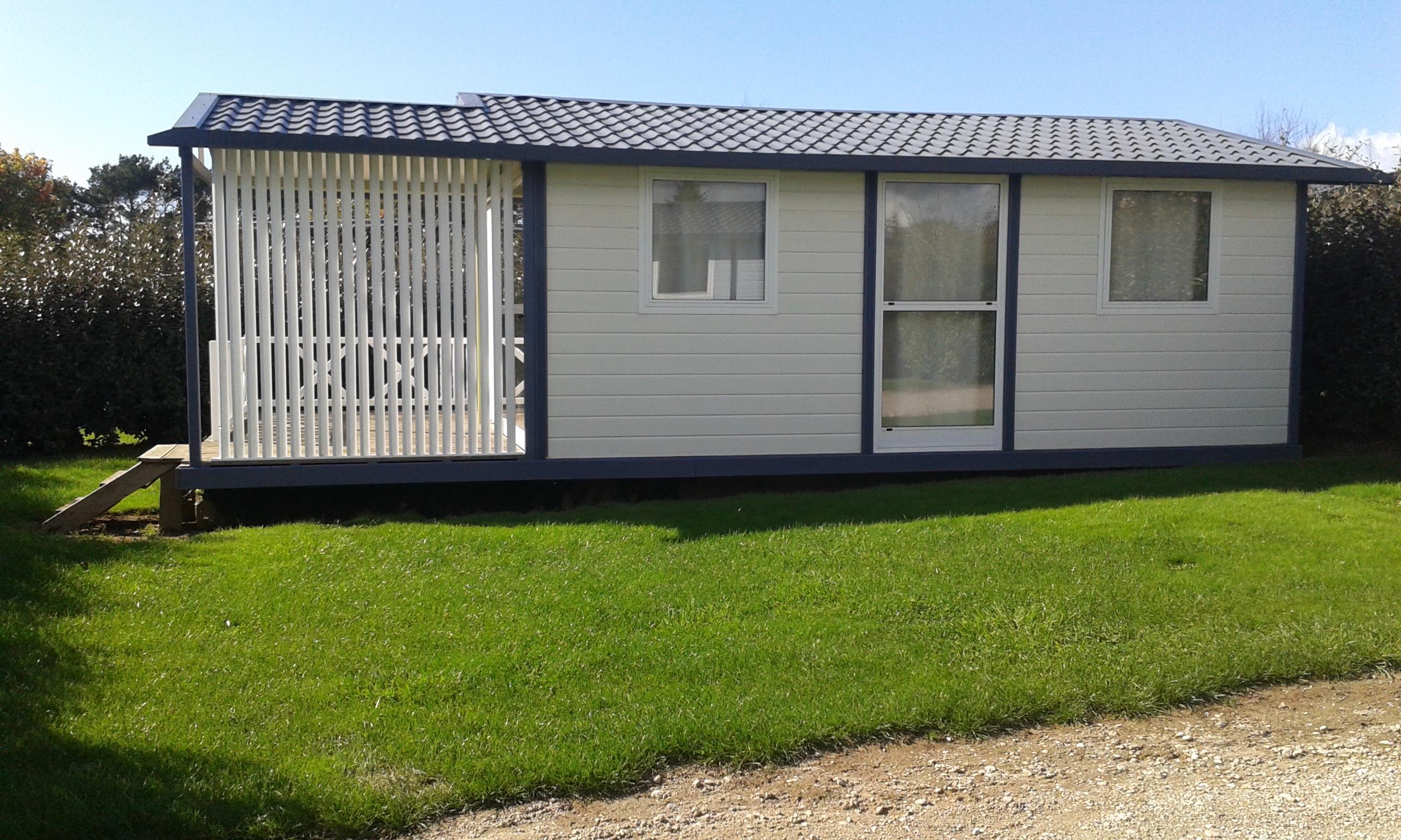 Location - Chalet Eco (3 Chambres) Avec Terrasse Couverte 39 M² - Camping Les Jardins de Kergal