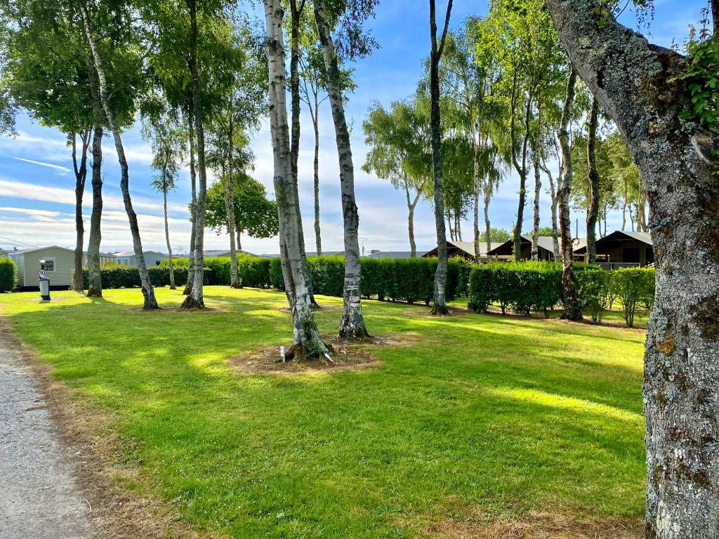 Emplacement - Forfait Randonneur À Pied Ou À Vélo Avec Tente - Camping Les Jardins de Kergal