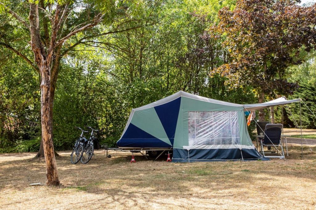 Paket-Tropfen-Fahrt / Wanderung: 1 Zelt, 1 Fahrrad Oder Motorrad,