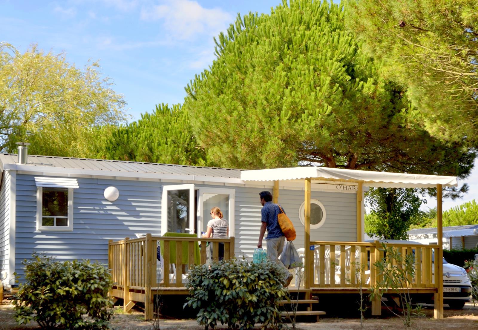 Location - Mobil-Home Confort+ 27.5M² (2 Chambres) + Terrasse Semi-Couverte + Tv - Flower Camping Le Bois d'Amour