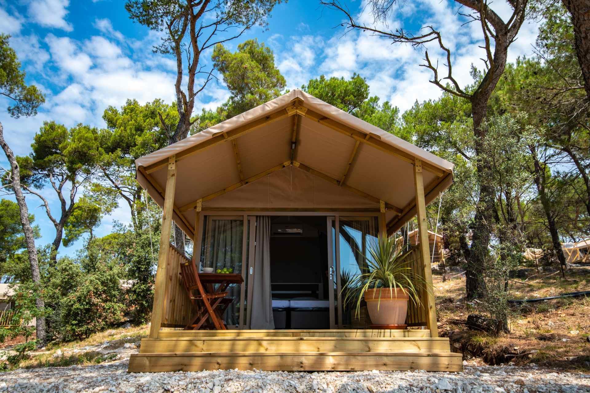 Location - Mini Lodge - Arena One 99 Glamping