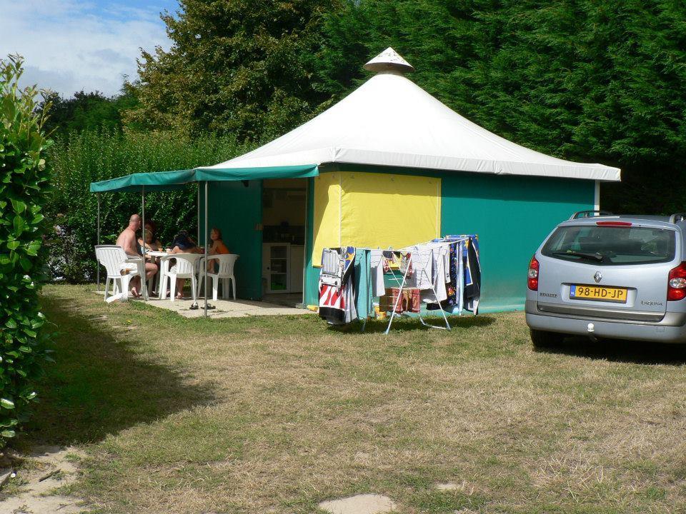 Location - Tente 2 Chambres - 1 Salle D'eau - Pagan - Camping Castel Château de Galinée